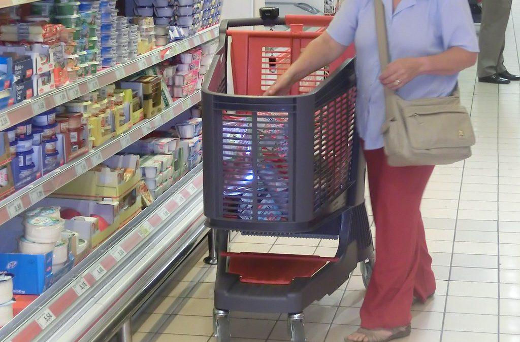 Profeco pide a tiendas de autoservicio detener revisión de comprobantes de compra a consumidores